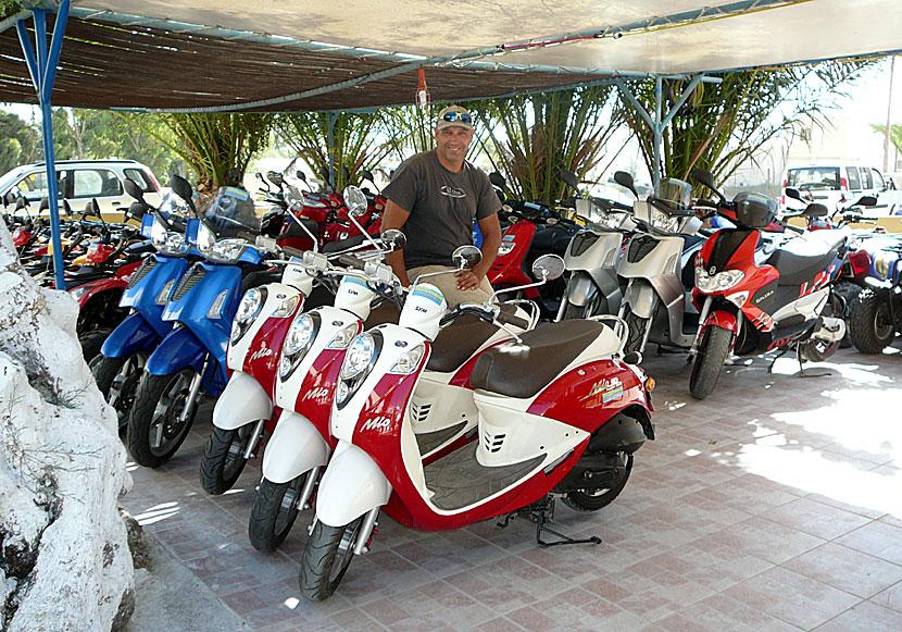 Hyra Bil Fyrhjuling Moped Motorcykel Och Cykel I Grekland